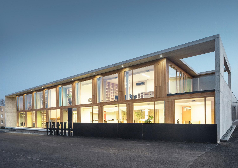 Administrativní budova firmy Brusivo, zábran-nová architekti, Foto Petr Polák