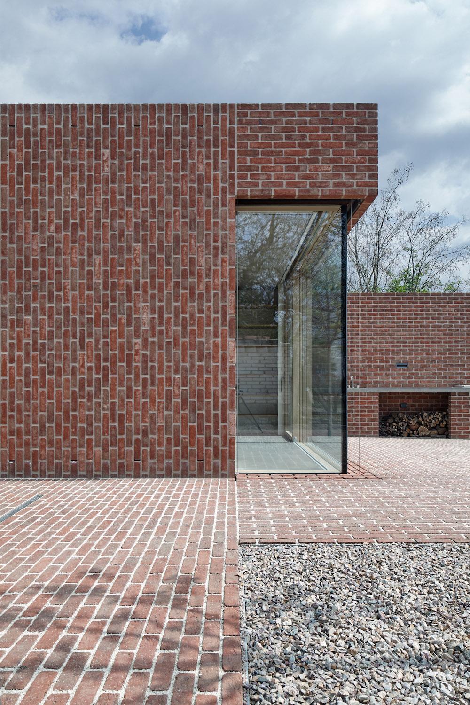 DŮM V CIHLOVÉ ZAHRADĚ, Jan Proksa, Architekt, Foto Boys play nice